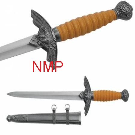 A Collectors World War 2 Naval Officers Dagger ( 1071 )