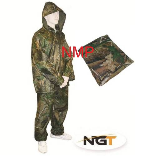 Camo Fishing or Hunting Waterproof Suit, Over-Suit, 2pc Set, Trousers + Jacket ( Size Medium )