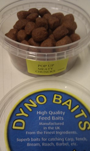 10mm POP UP MEATY CHUNCKS in 180ml tub ( DYNO BAITS )