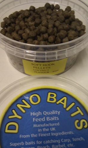 4mm Soft Hook Pellets ( COCONUT FLAVOUR ) 180ml tub ( DYNO BAITS )