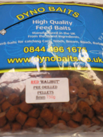 Halibut Pellets RED  8mm Pre Drilled ( Dyno Baits ) 750g
