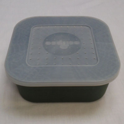 Bait boxes square with secure lid and ventilation holes green 1.1 pint