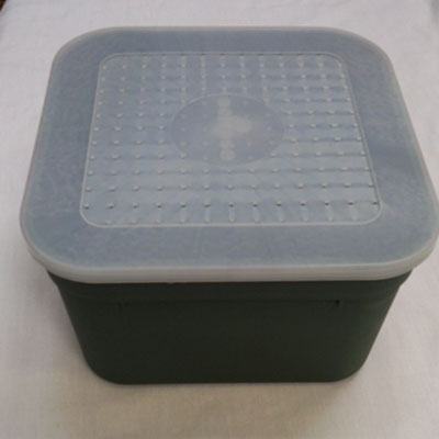 Bait boxes square with secure lid and ventilation holes green 4.4 pint
